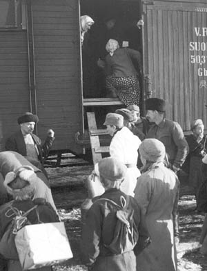 http://www.uta.fi/koskivoimaa/valta/1940-60/kuvat/evakot.jpg